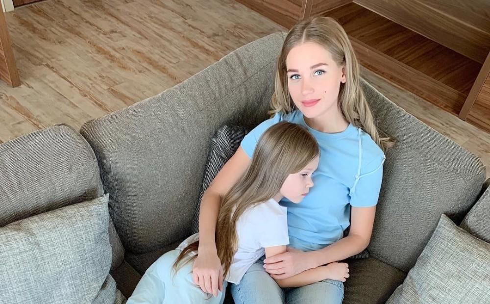 Кристина Асмус с дочкой фото