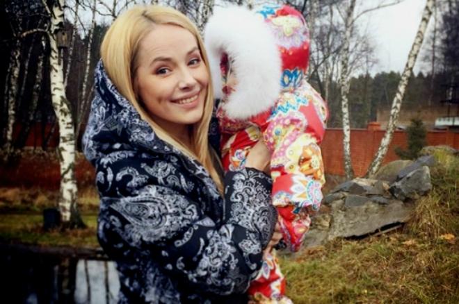 Зоя Бебер с дочкой Надей фото